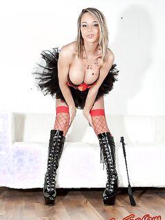 В эротическом костюме