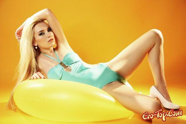 Оранжевое изобилие  Эротика. Смотреть фото красивых голых девушек бесплатно