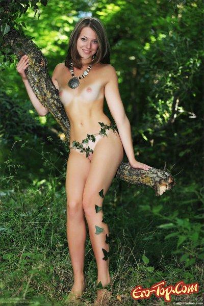 Фото голой блондинки натуралистки по имени Tamara.