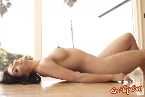 Samantha Baily - чарующая брюнетка  Эротика. Смотреть фото красивых голых девушек бесплатно
