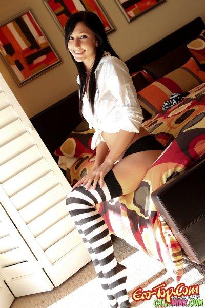 Фото стриптиз от   Эротика. Смотреть фото красивых голых девушек бесплатно