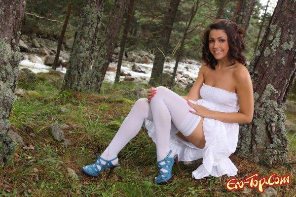 Bryone Kate - голая белоснежка. Смотреть эротические фото.
