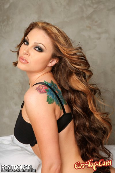 Jesse Capelli - женщина вамп. Смотреть фото с голой моделью.