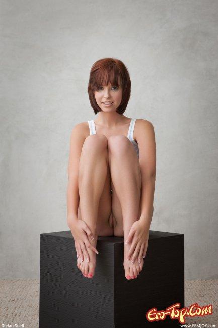 Фото  - порно актрисы. Смотреть бесплатно.